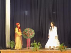 """Представление на Детско театрално студио """"Мъхмарон"""""""